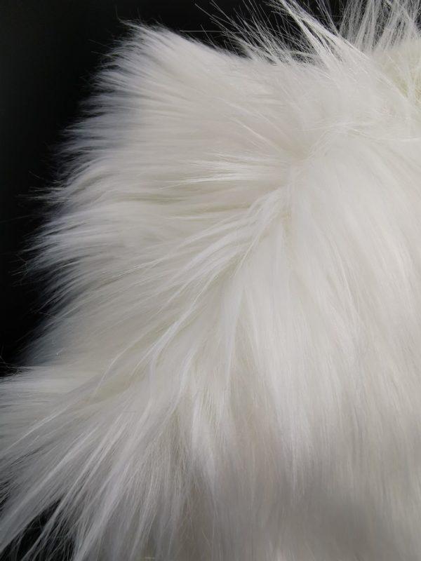 szőrme fehér
